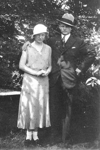 Alderden Jaap 1933 met Verloofde Lena Spaargaren