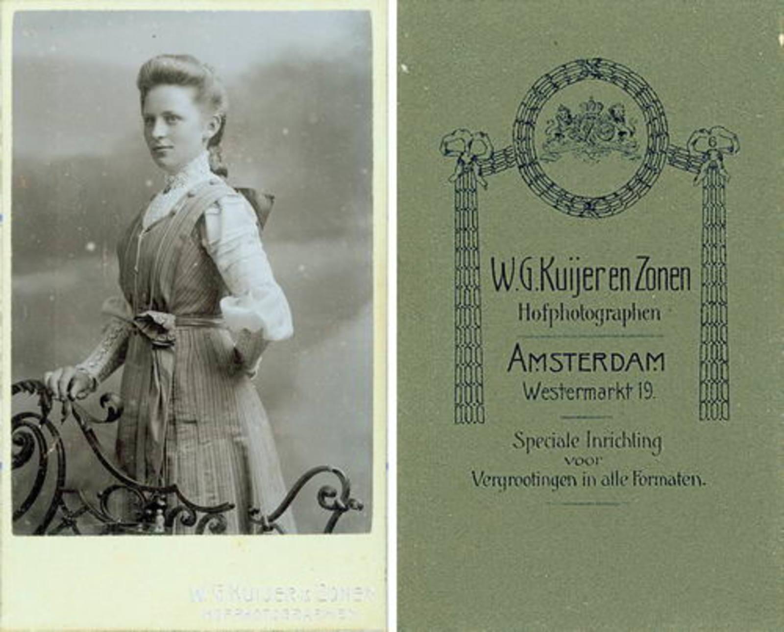 Biesheuvel Anna Bdr 1855 dochter Daatje Leest bij Fotograaf