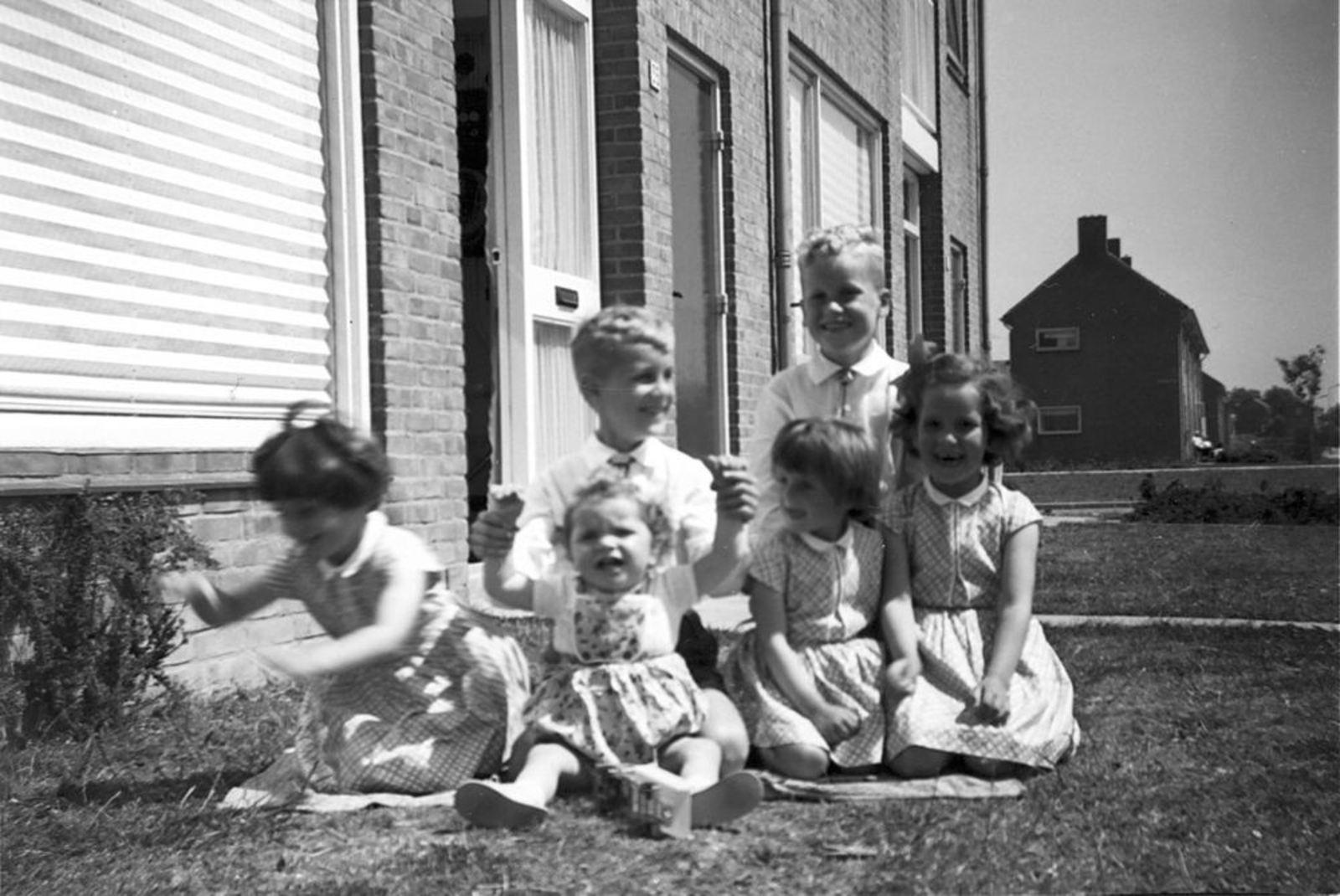 Blauwe Beugelstraat 0035 1961± met Kinderen Pijpers 01