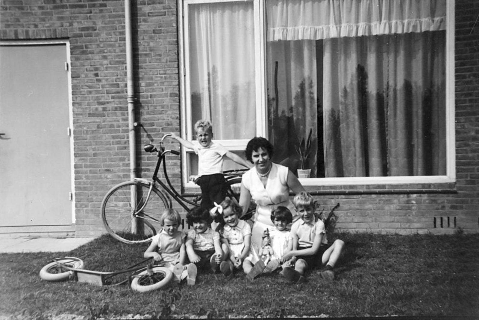 Blauwe Beugelstraat 0035 1961± met Kinderen Pijpers 03
