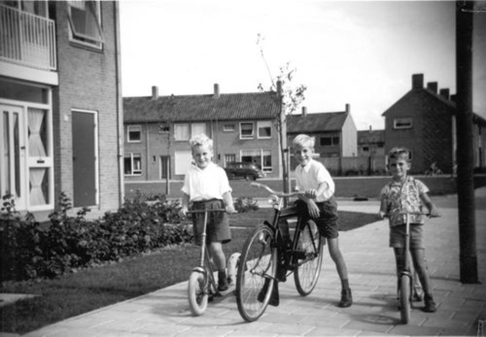 Blauwe Beugelstraat 0035 1961± met Kinderen Pijpers 04