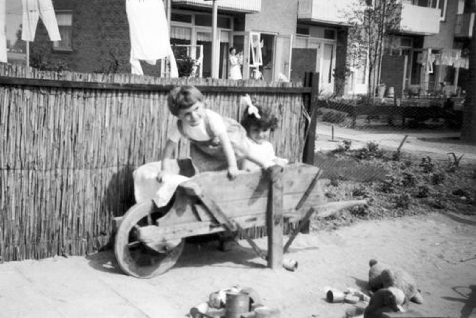 Blauwe Beugelstraat 0035 1961± met Kinderen Pijpers 05