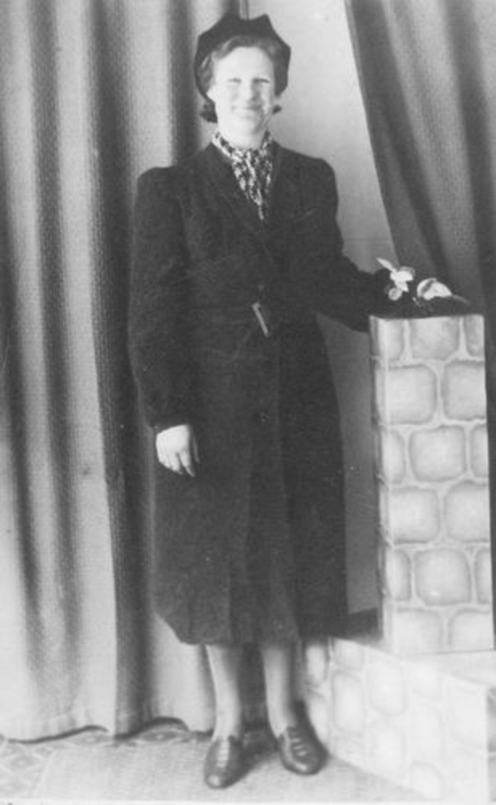 Bliek Jaantje 1912 19__ bij de Fotograaf