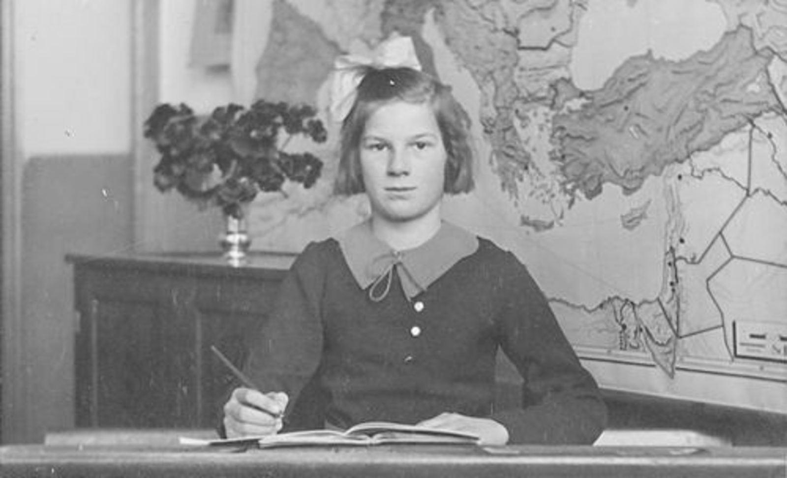 Bliek Jannie 1927 19__ Schoolfoto