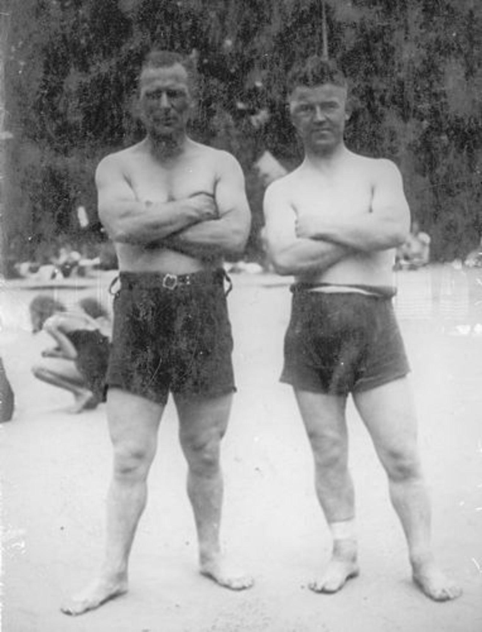 Bliek Leen 1903 19__ met broer Gerrit