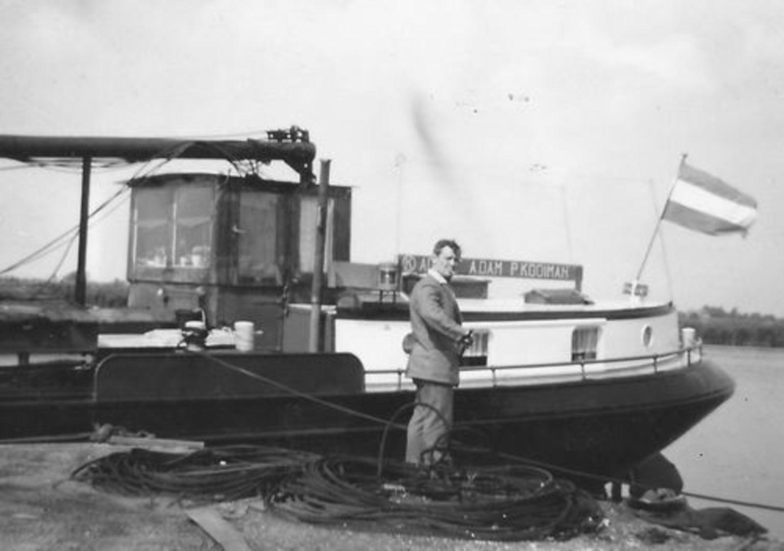 Bliek Toon 1914 1964 aan het Vissen