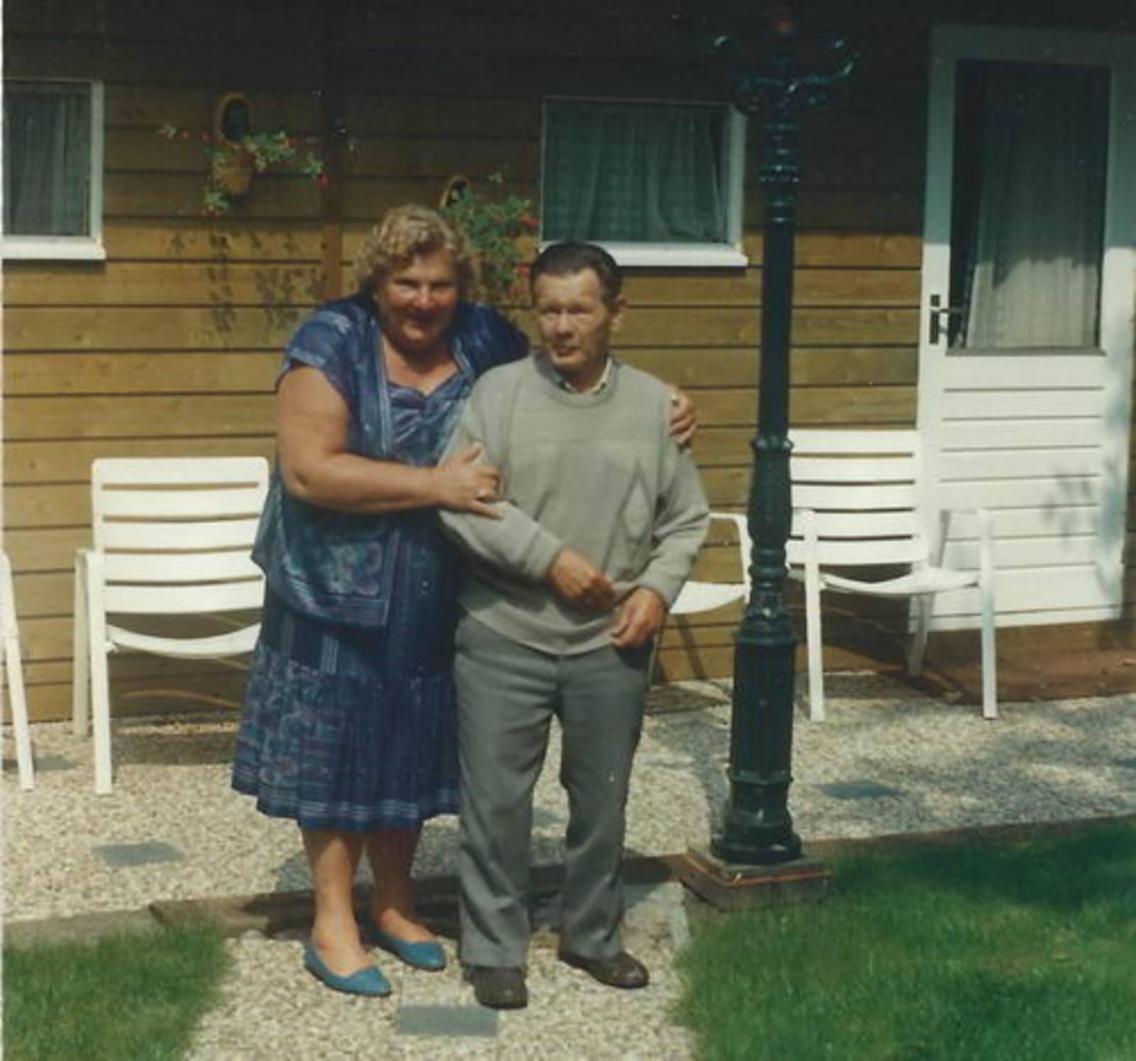 Bliek Toon 1914 1989 met Marietje Visser-Wies
