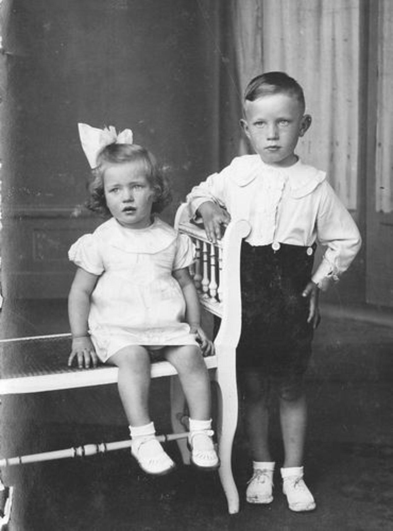 Blom Jan 1906 1938± kinderen Magda en Gerrit