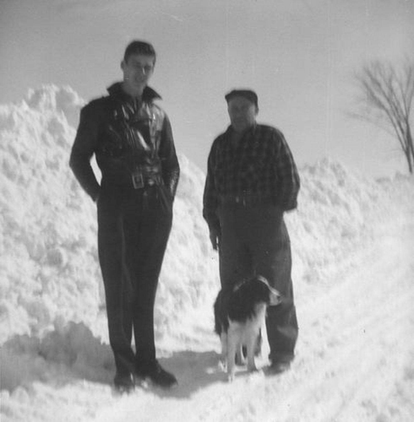 Blom Jan 1906 19__ met zoon Jan