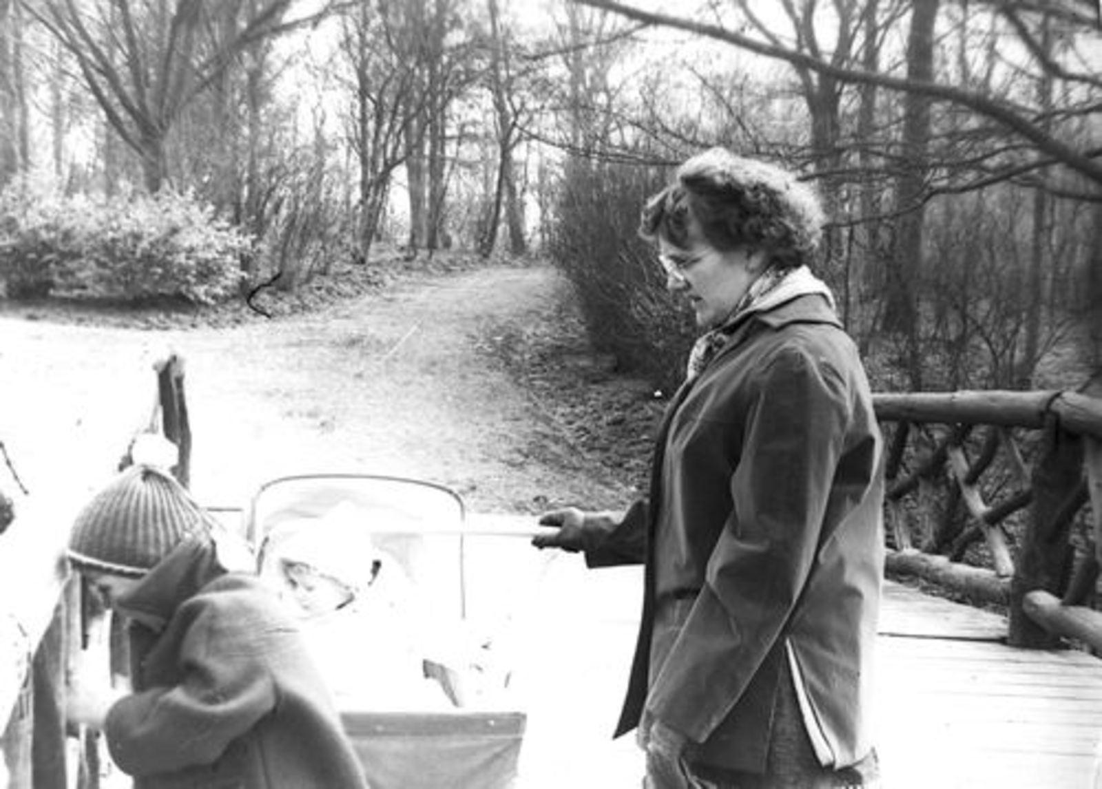 Boslaan 0000 Wandelpark 1956± met fam Mannessen 01