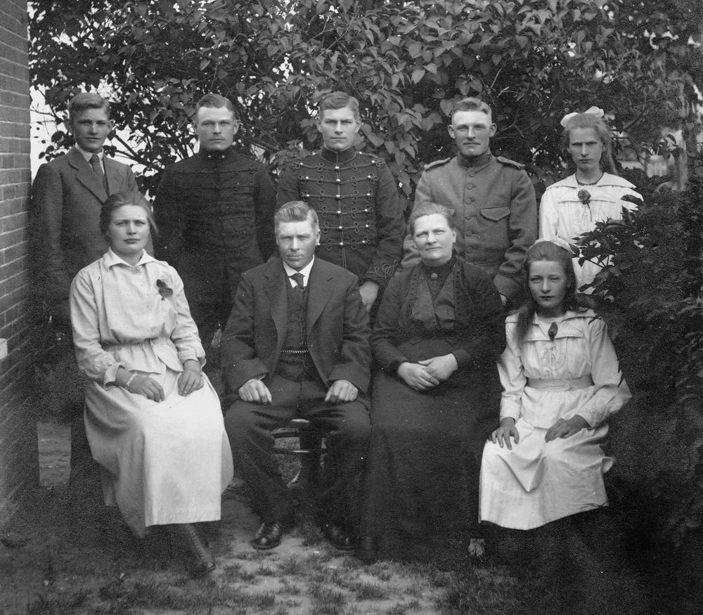Bosman Cornelis 1864 1921- Gezinsfoto bij Draverslaan