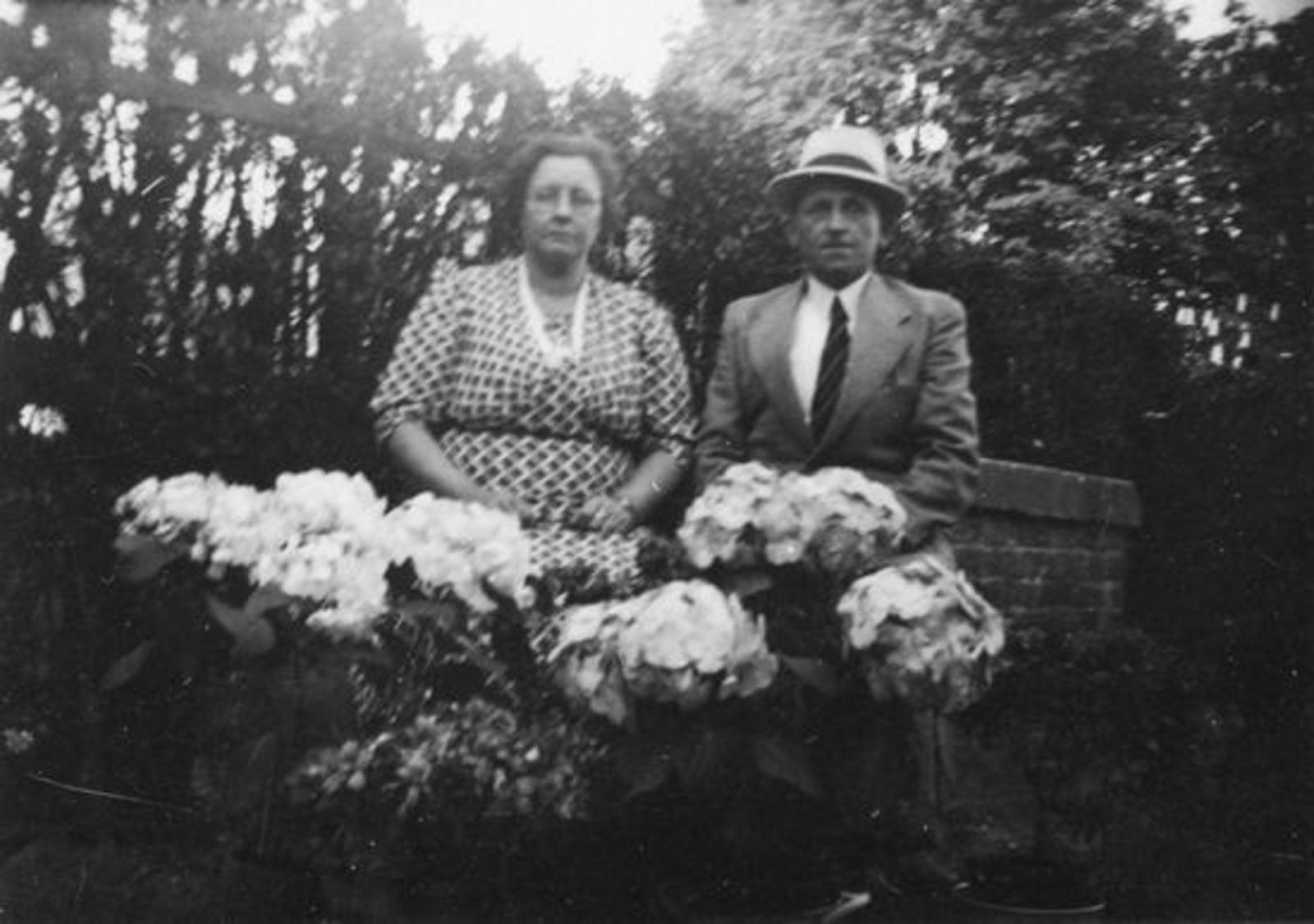 Broere Daniel 1890 19__ met vrouw Jacoba Vlug Jubileum 00