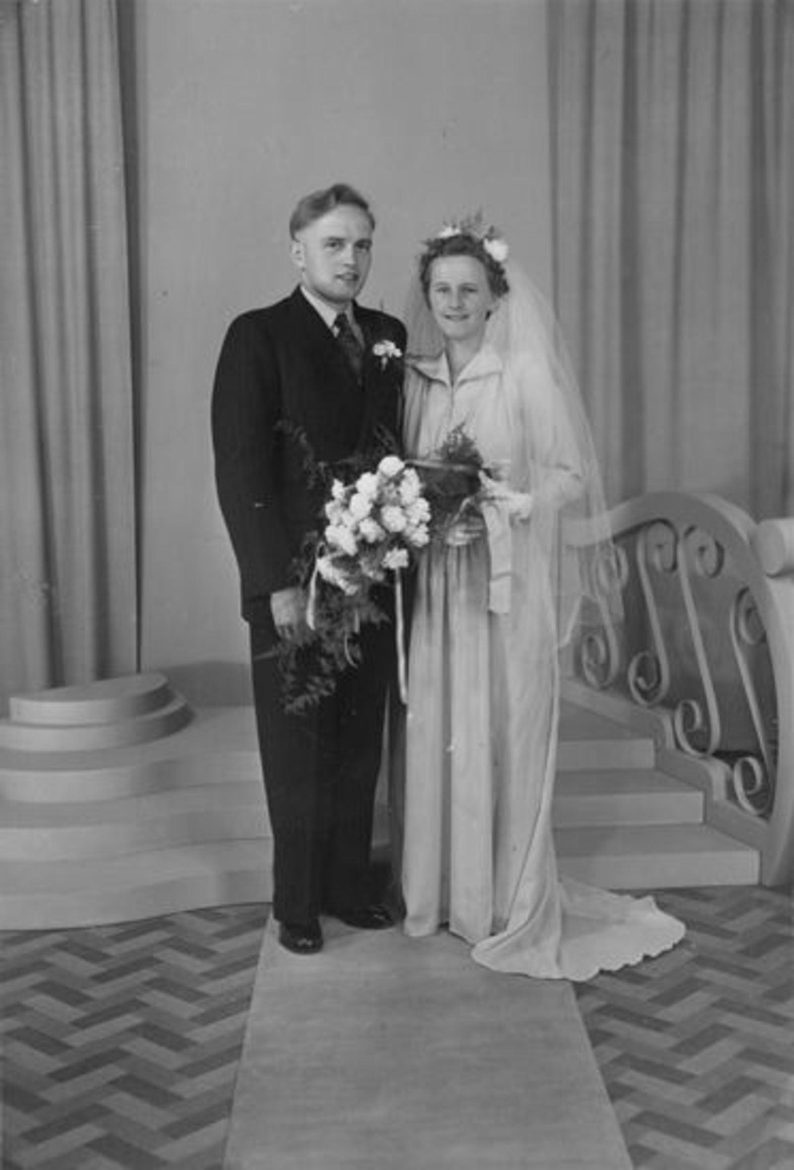Broere Stijn 1930 19__ trouwt met Piet Eikelenboom 01