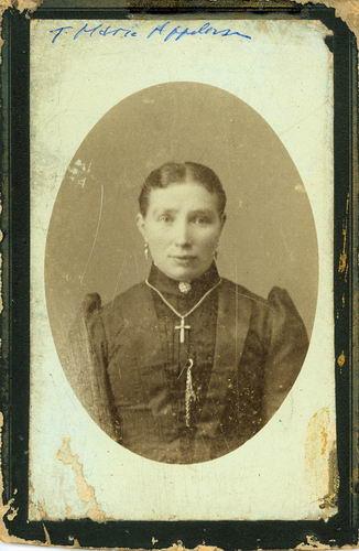 <b>ZOEKPLAATJE:</b>Calvelage Appelman Onbekend 05 Tante Marie Appelman