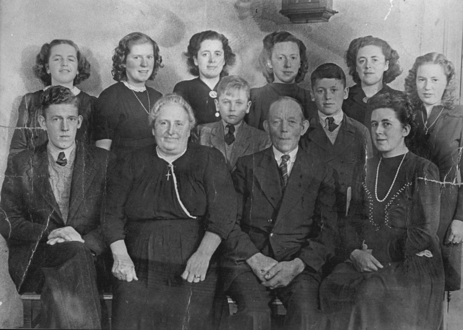 Calvelage Bernard 1885 1949± Gezinsfoto 01 Compleet