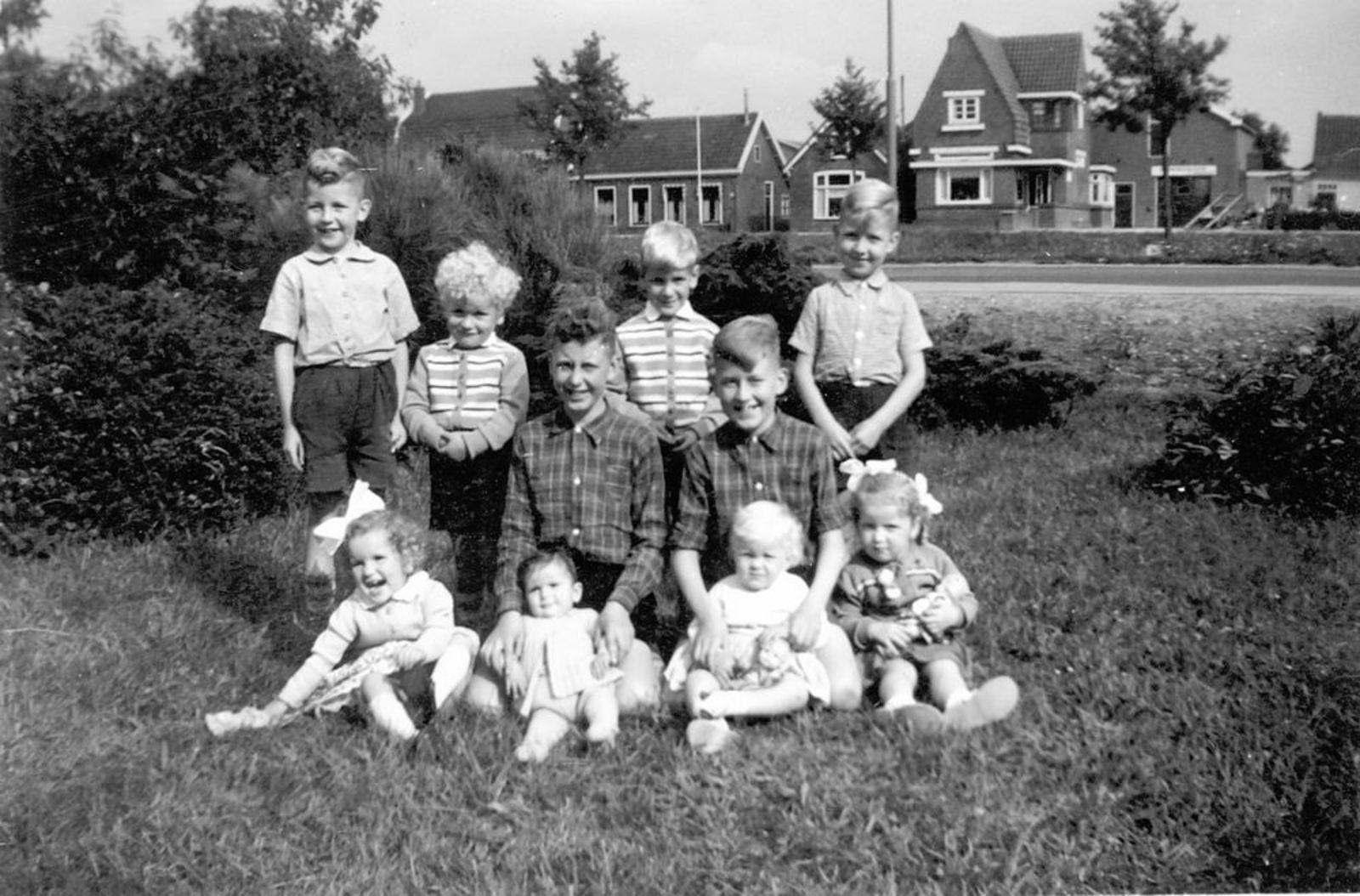 Calvelage Bernard 1885 1957± Kleinkinderen Pijpers en Tulen