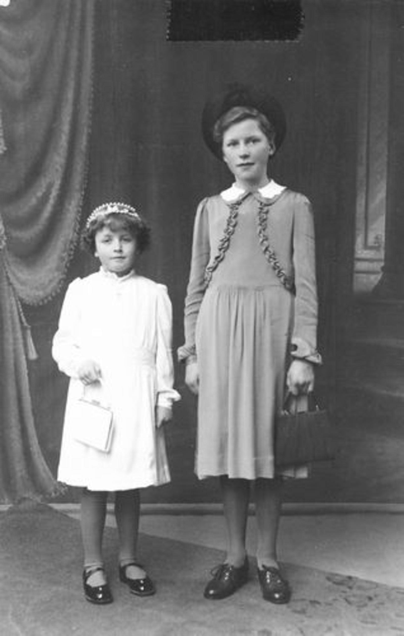Calvelage Grard 1934 1942± met Mart bij Fotograaf