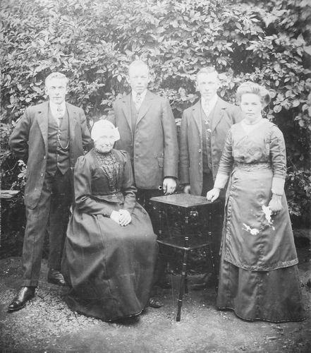 Calvelage Hendrik 1853 19__ Wed Grietje Appelman met Zoons en Dochter