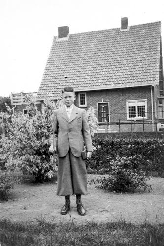 Calvelage Henk 1935 19__ bijHoofdweg 0699