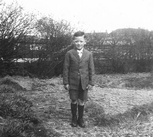 Calvelage Henk 1935 19__ op Erf Hoofdweg 705