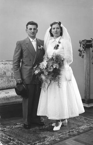 Calvelage Mart 1927 1957 trouwt Theo Loogman 01