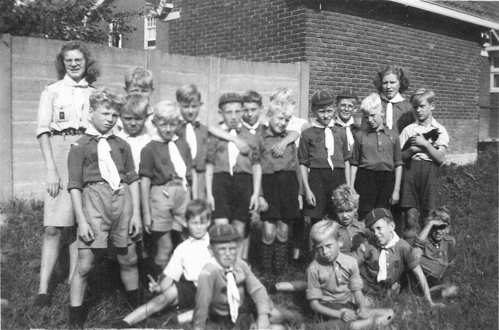 <b>ZOEKPLAATJE:</b>Calvelage Mart 1927 19__ Akela met Padvinders