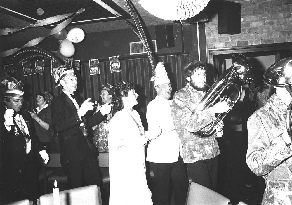 Carnavals Vereniging Meerbonken 19__ met Job de Bruijn als Prins Karbonkel 7 01