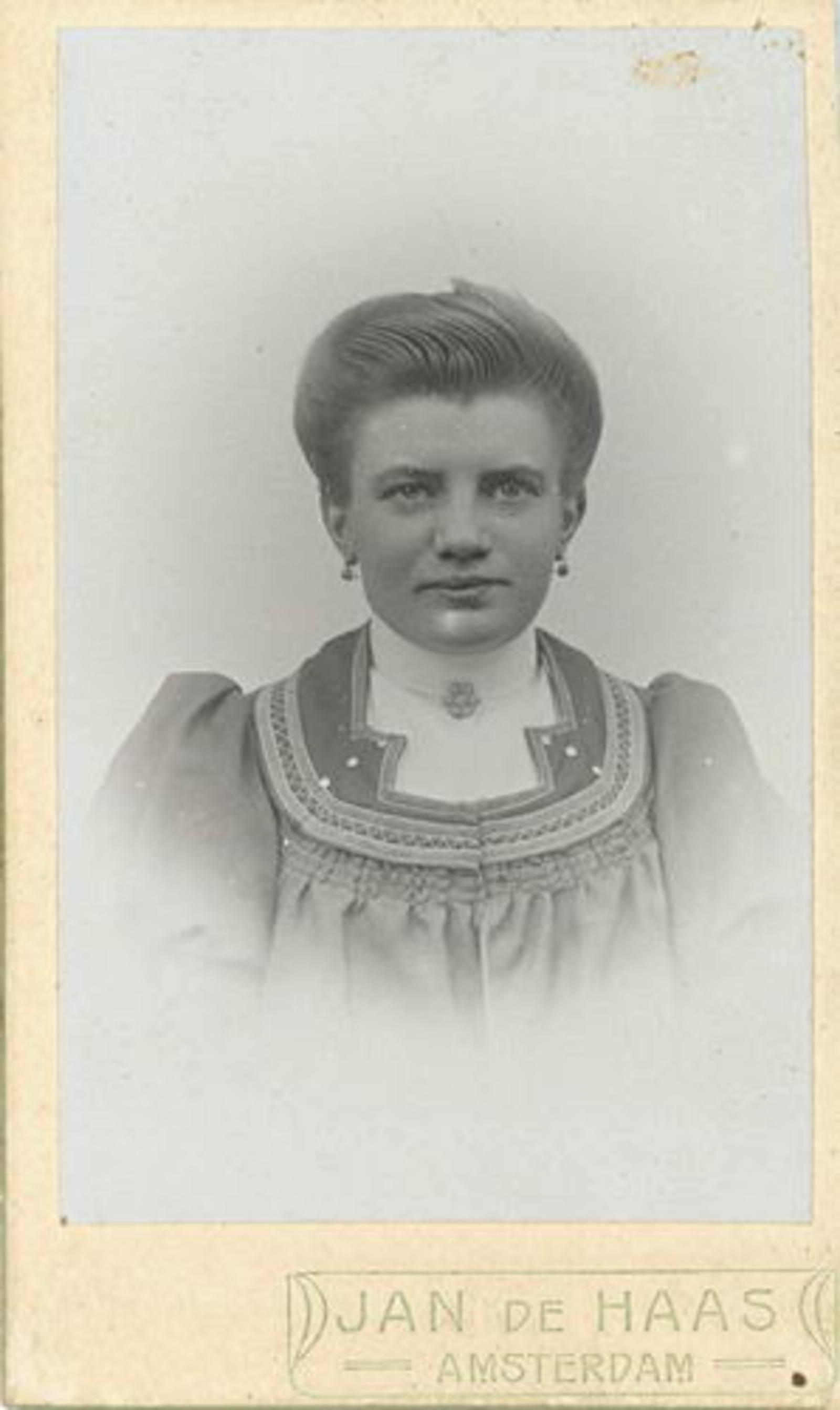 Colijn Onbekend Bee 1912 Portret