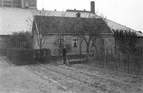 Cruquiusdijk 0052 19__ Huize Pijpers met zoon Dirk