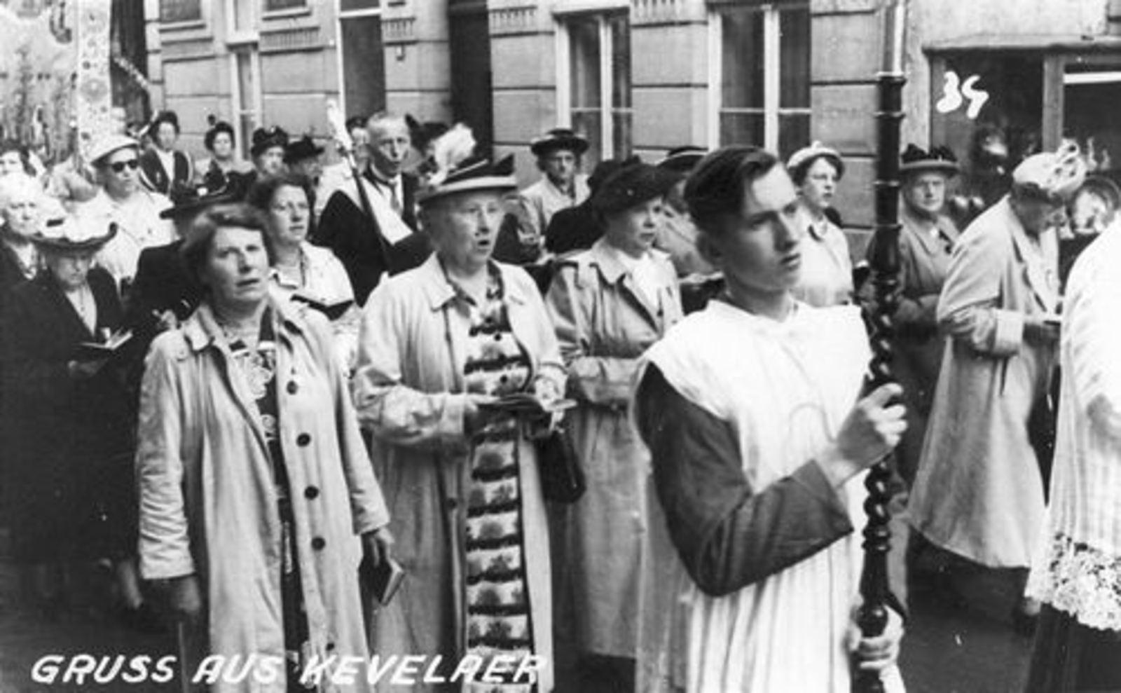 Dam Cornelis P 1933 1952 Bedevaart in Kevelaer 01