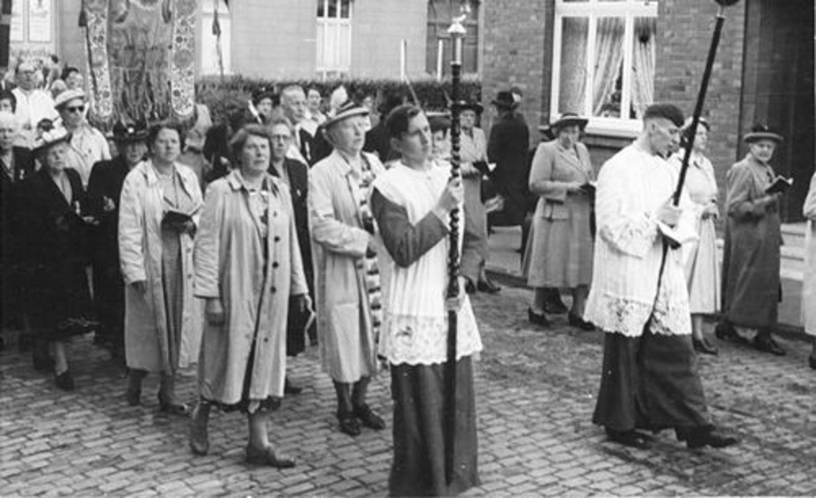 Dam Cornelis P 1933 1952 Bedevaart in Kevelaer 02