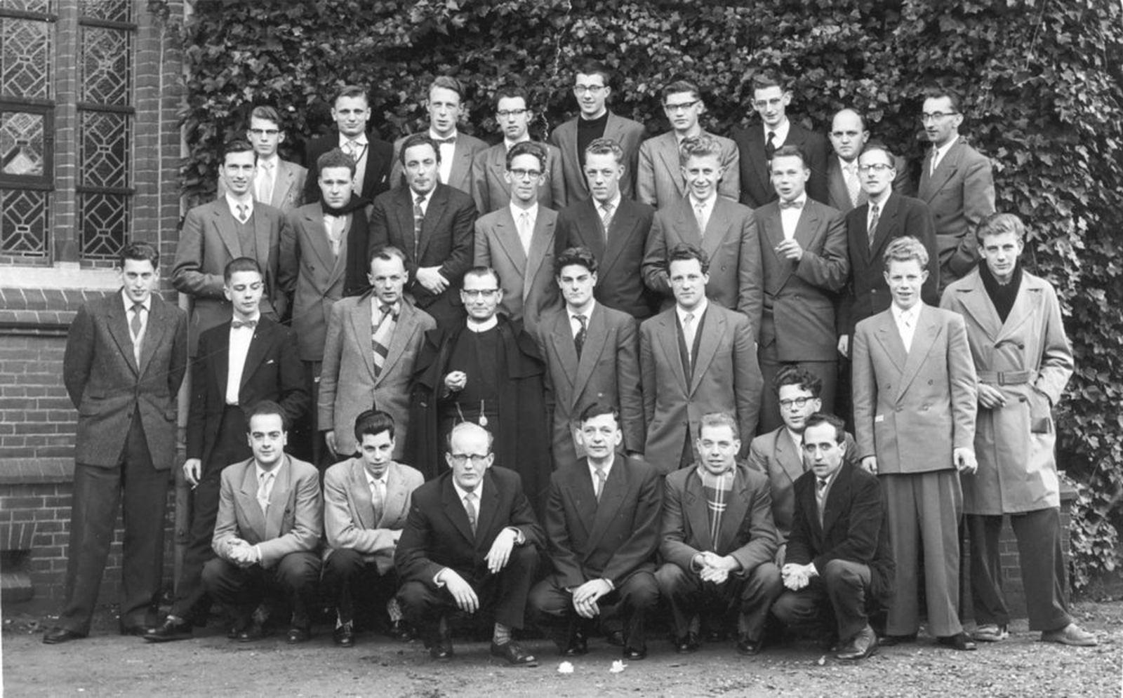 Dam Cornelis P 1933 1956 Verpleger in Psych Inrichting Noordwijkerhoud 12