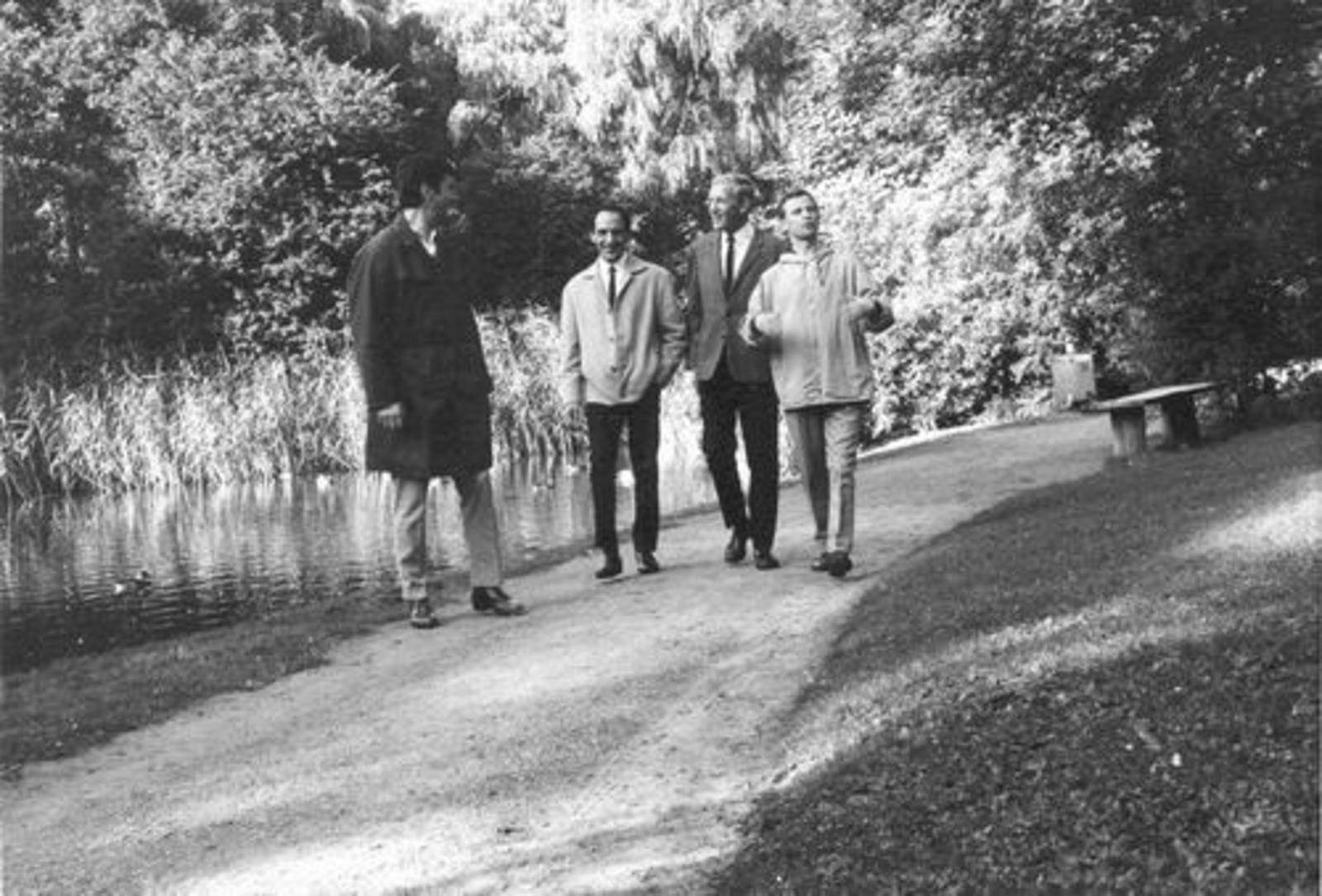 Dam Cornelis P 1933 19__ in Hoofddorps Wandelbos 01