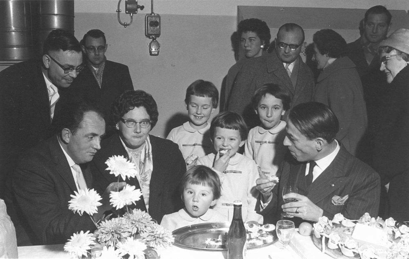 Dam Gilles 1922 1959 Opening Chips Fabriek 02