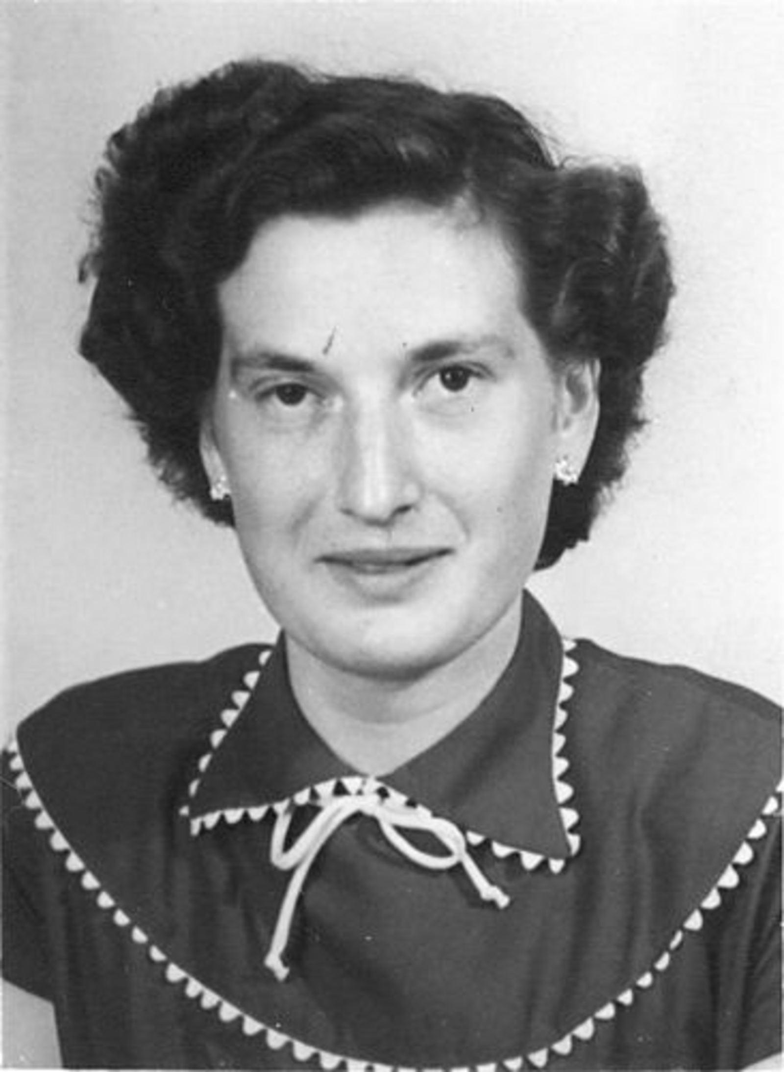 Dam Johanna M 1935 19__ Portret 01