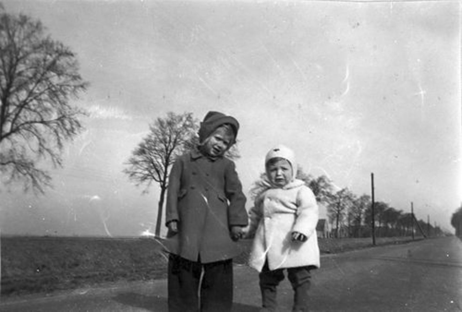 Dam Marijtje J 1930 19__ Antoon Beerendonk en Ellie Dam langs Hoofdvaart