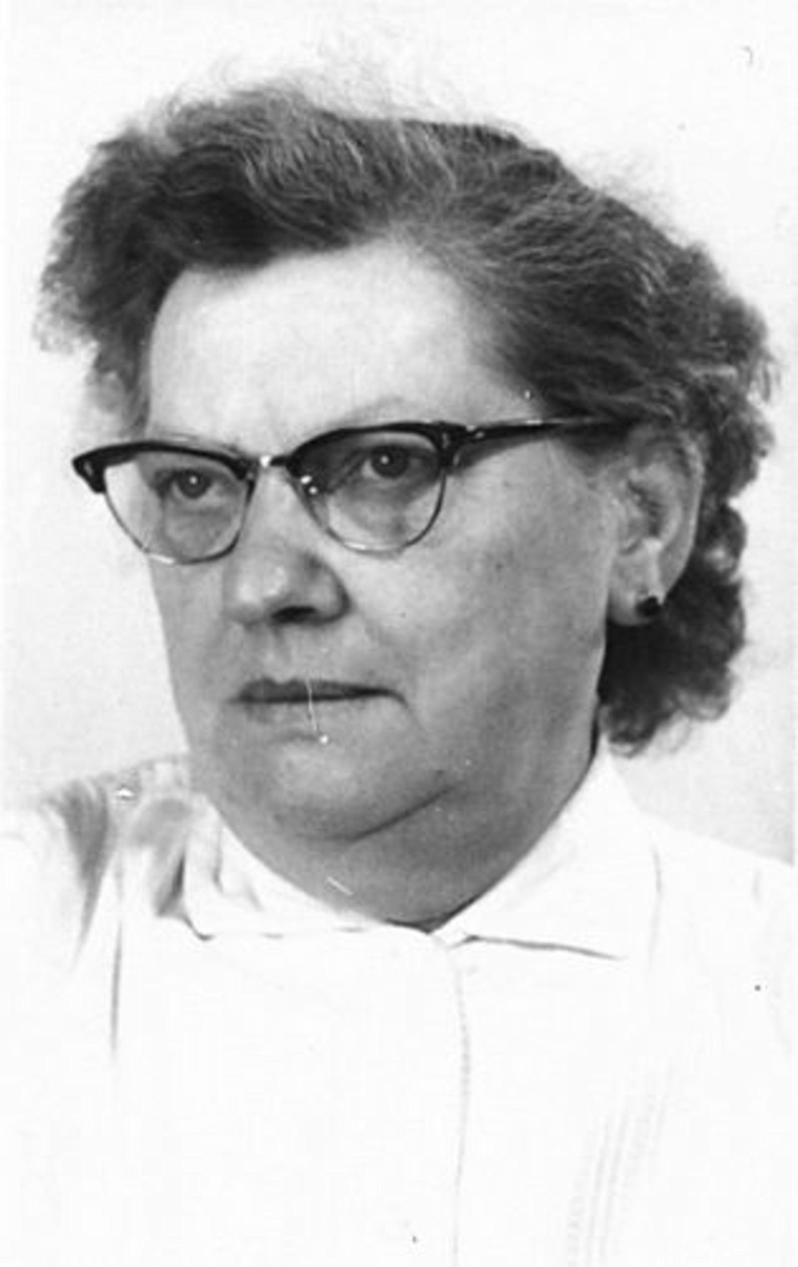 Dam-Stroomer Geertje 1901 1953 Portret 01
