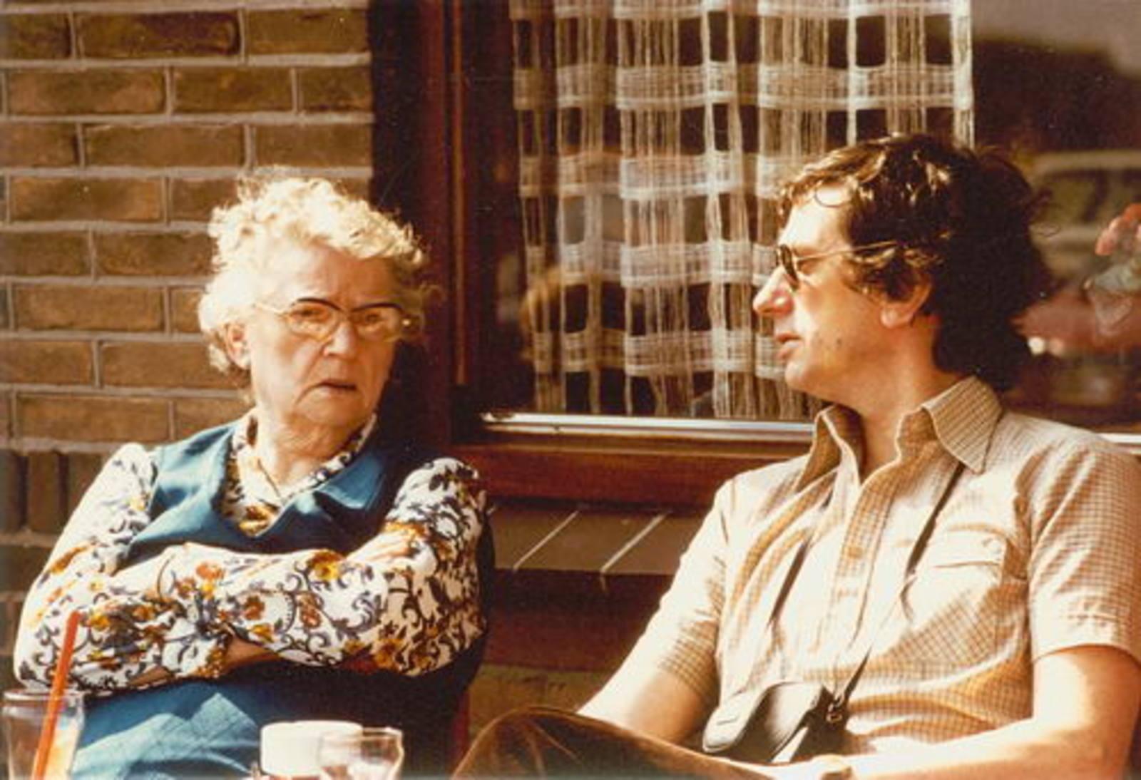 Dam-Stroomer Geertje 1901 1981 met zoon Cor