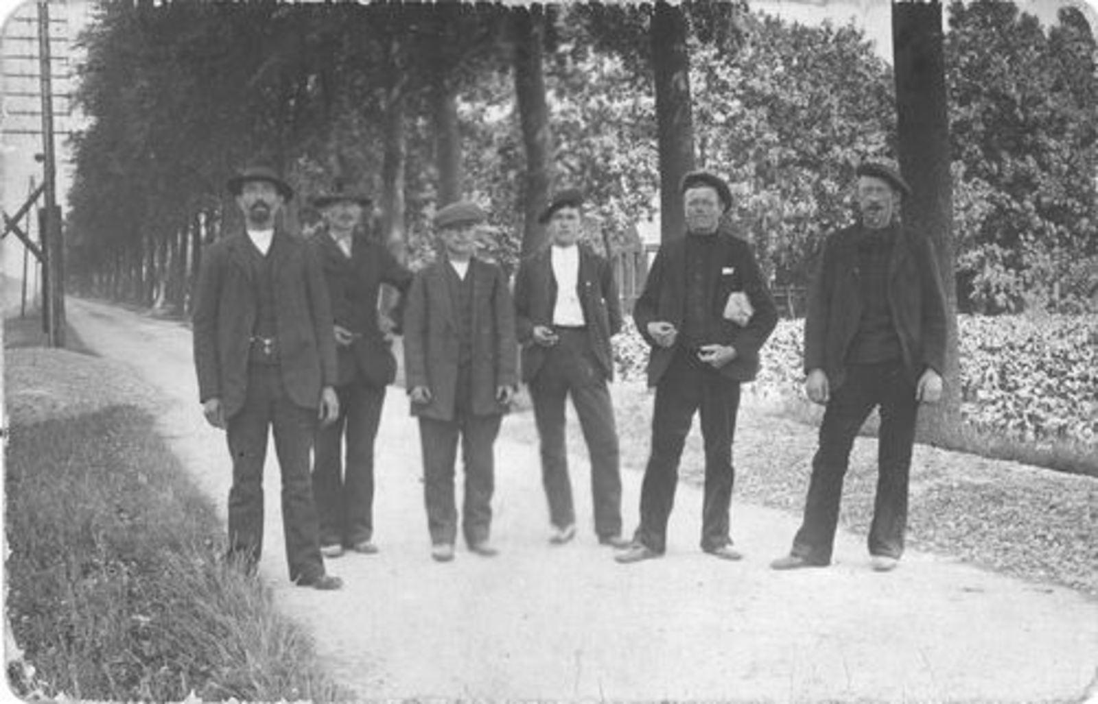 Dam Willem 1890 19__ met Onbekende Arbeiders 01
