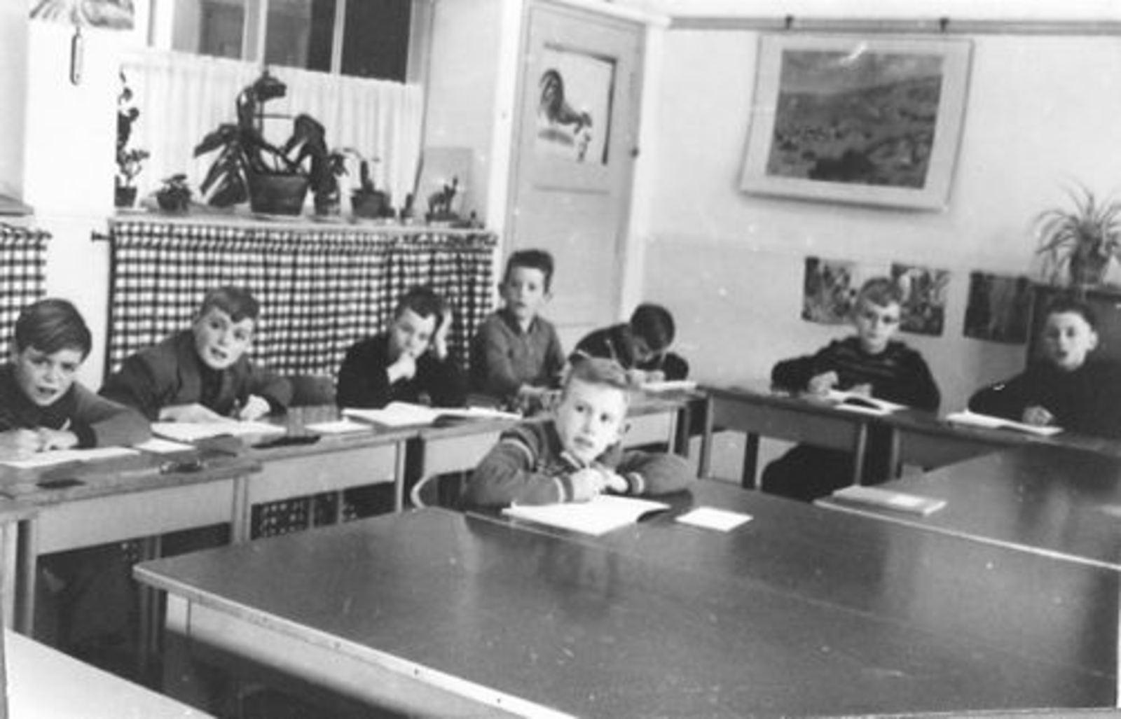 Emmalaan O 0046 1956ongeveer Openbare BLO J P Heijeschool 05
