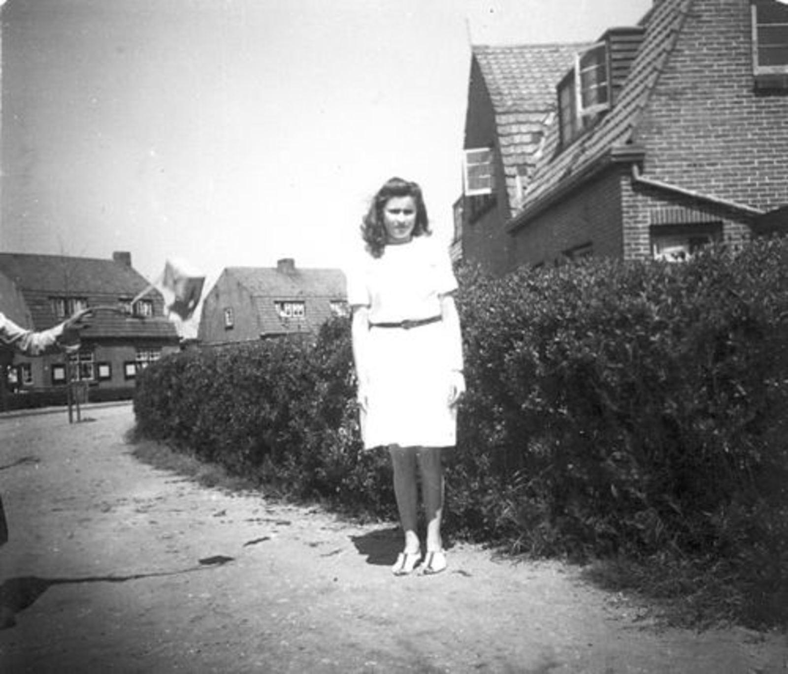 Fortweg O 0036 1947 met Ria Koeckhoven