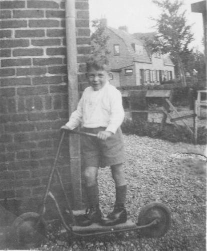 Fortweg W 0039 1944 met Onderduikertje Hans Sigerius
