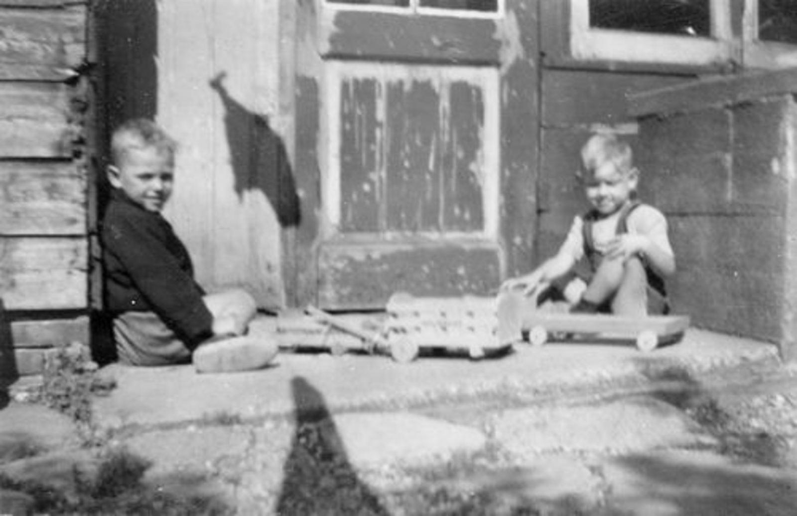 Fortweg W 0039 1944± met Aad Koolbergen en Frans v Poecke 01