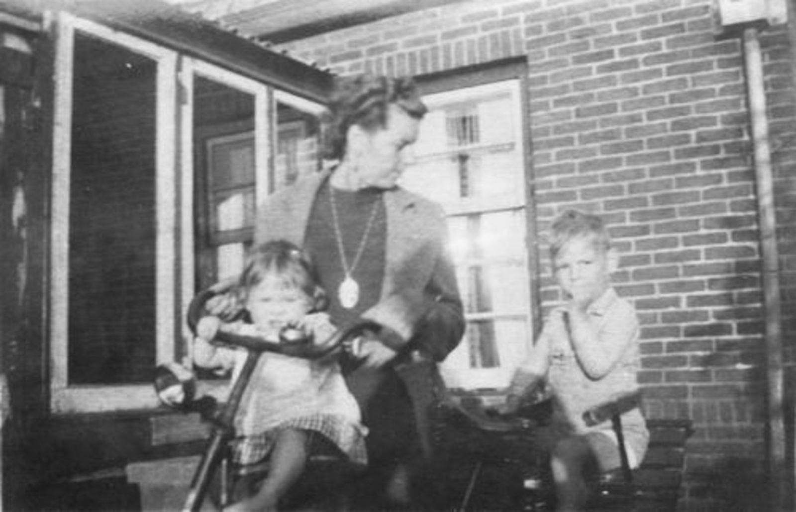 Fortweg W 0039 1944± met Gezin Koolbergen 01