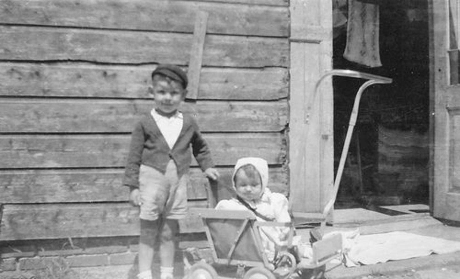 Fortweg W 0039 1944± met Gezin Koolbergen 21