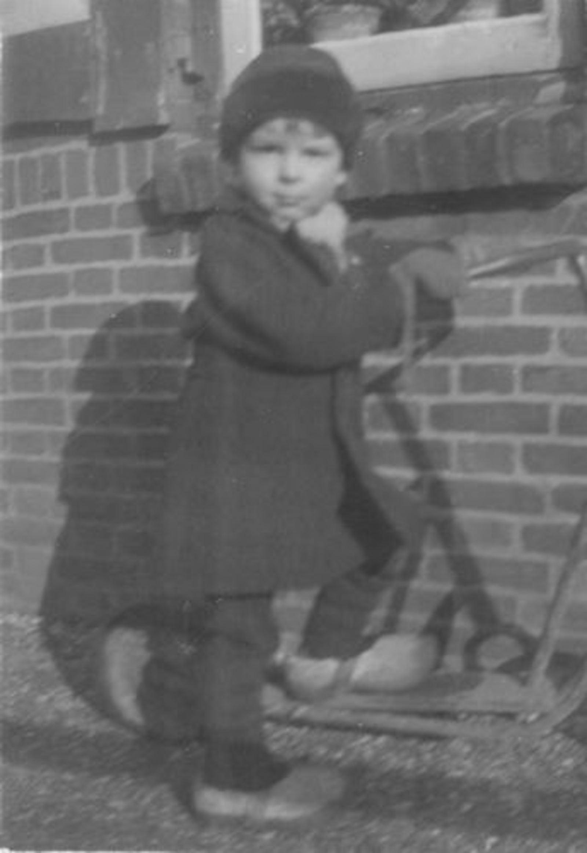 Fortweg W 0039- 1944± met Aad en Ellie Koolbergen voor het Huis 01