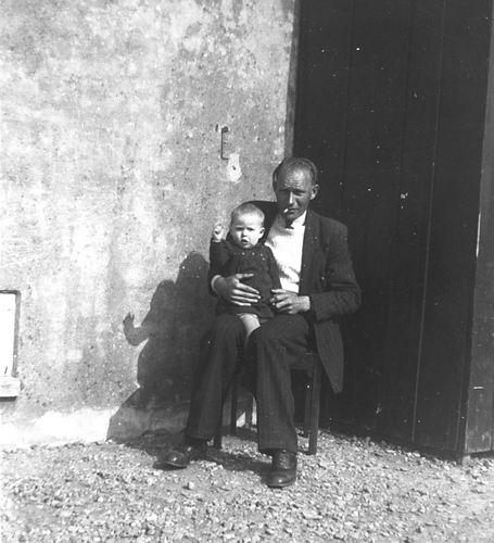 Galis Jan 1907 19__ op Erf Rijnlanderweg 0962 met Marry Verzaal