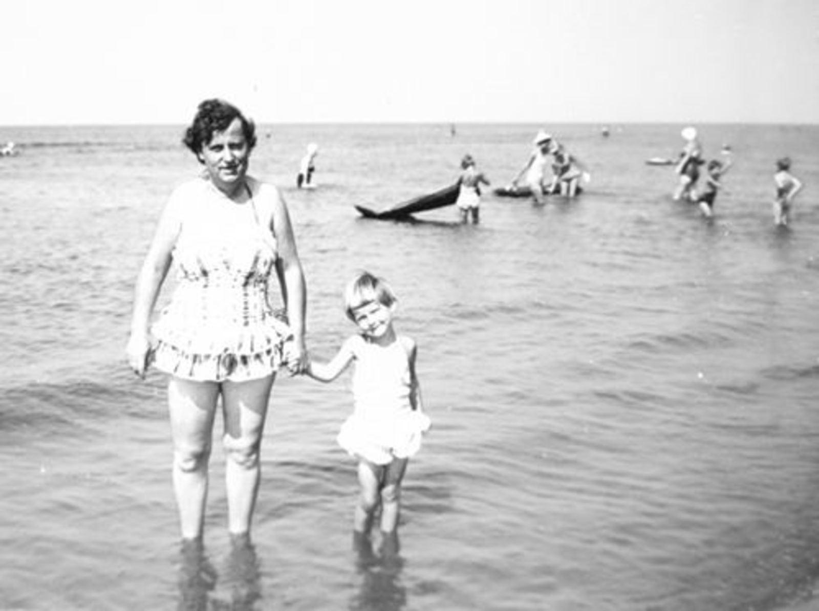 Galis Jan 19__ met familie op het Strand 006