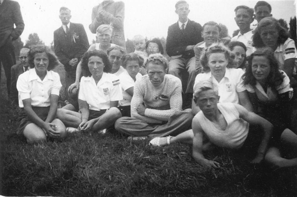 Gym en Athletiek Ver Hoofddorp 1948 met Femmie vd Helm 01