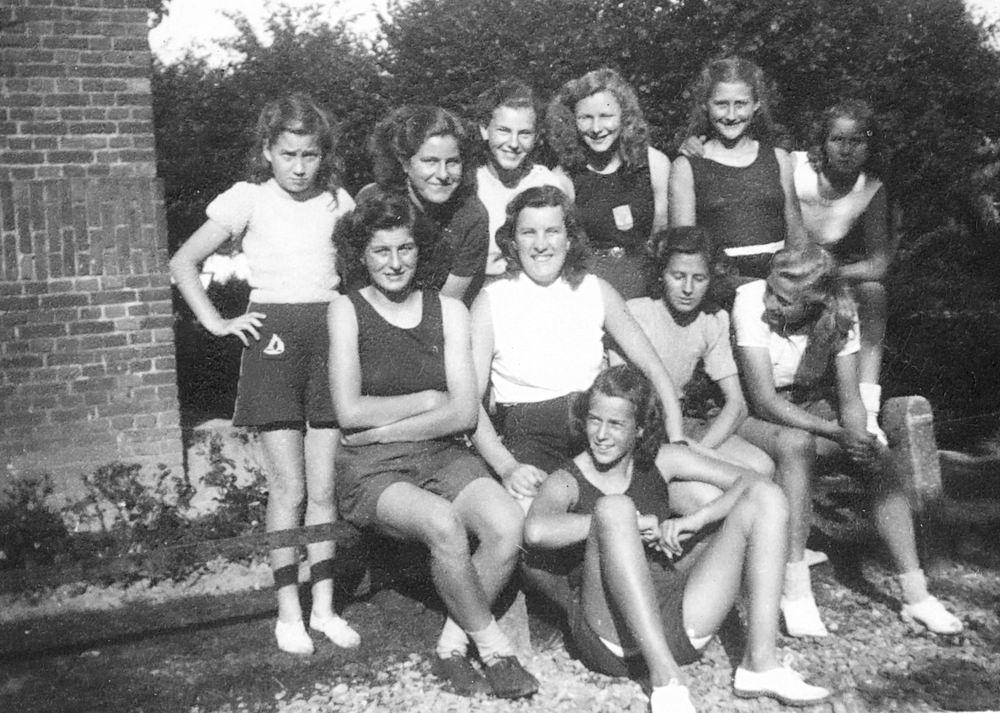 Gym en Athletiek Ver Hoofddorp 1948 met Femmie vd Helm 02